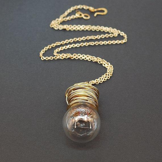 Manualidades con bombillas - collar
