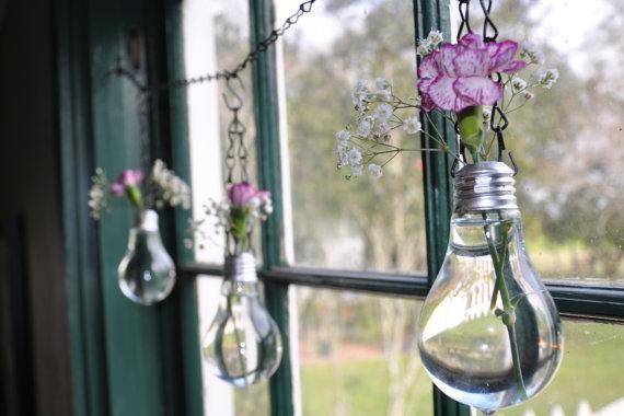 Manualidades con bombillas - florero