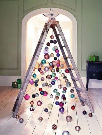Árbol de Navidad con dos escaleras
