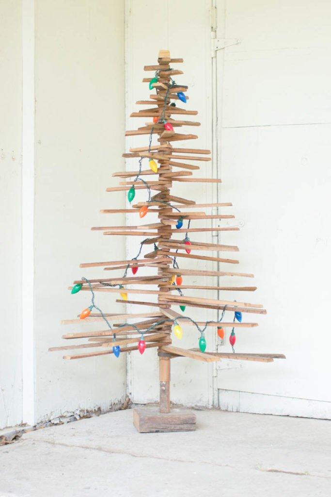 Árbol de Navidad colorido giratorio
