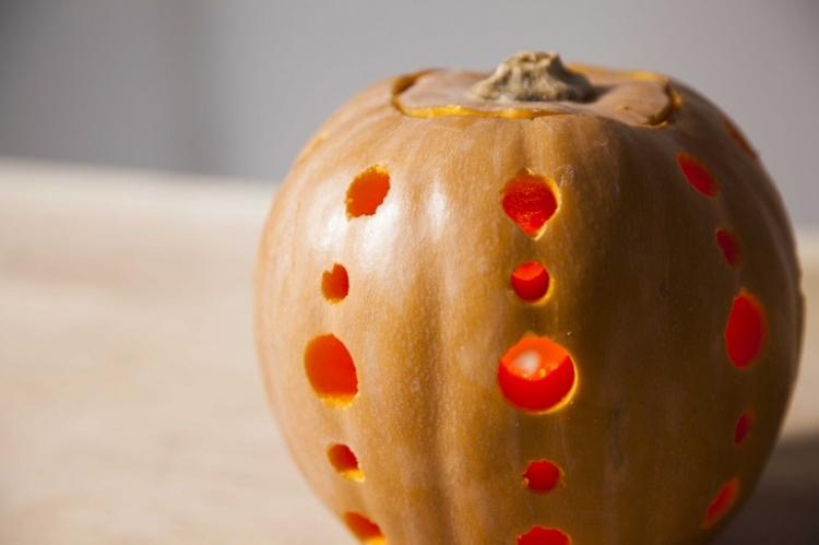Calabaza decorativa para Halloween - Handfie DIY