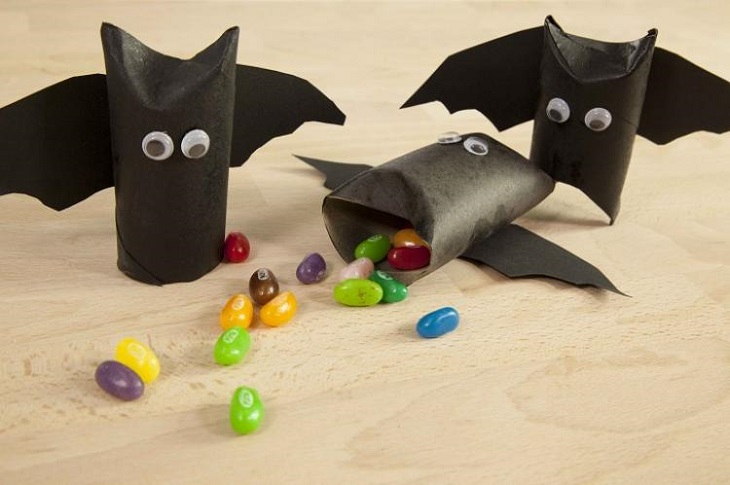 Pequeños draculitas para hacer con niños en Halloween - Handfie DIY