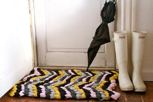 Handfie - 9 ideas de alfombras DIY - alfombra con camisetas