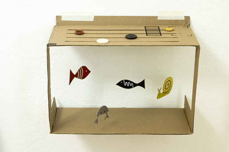 Handfie - 24 manualidades con cajas de cartón - pecera de juguete