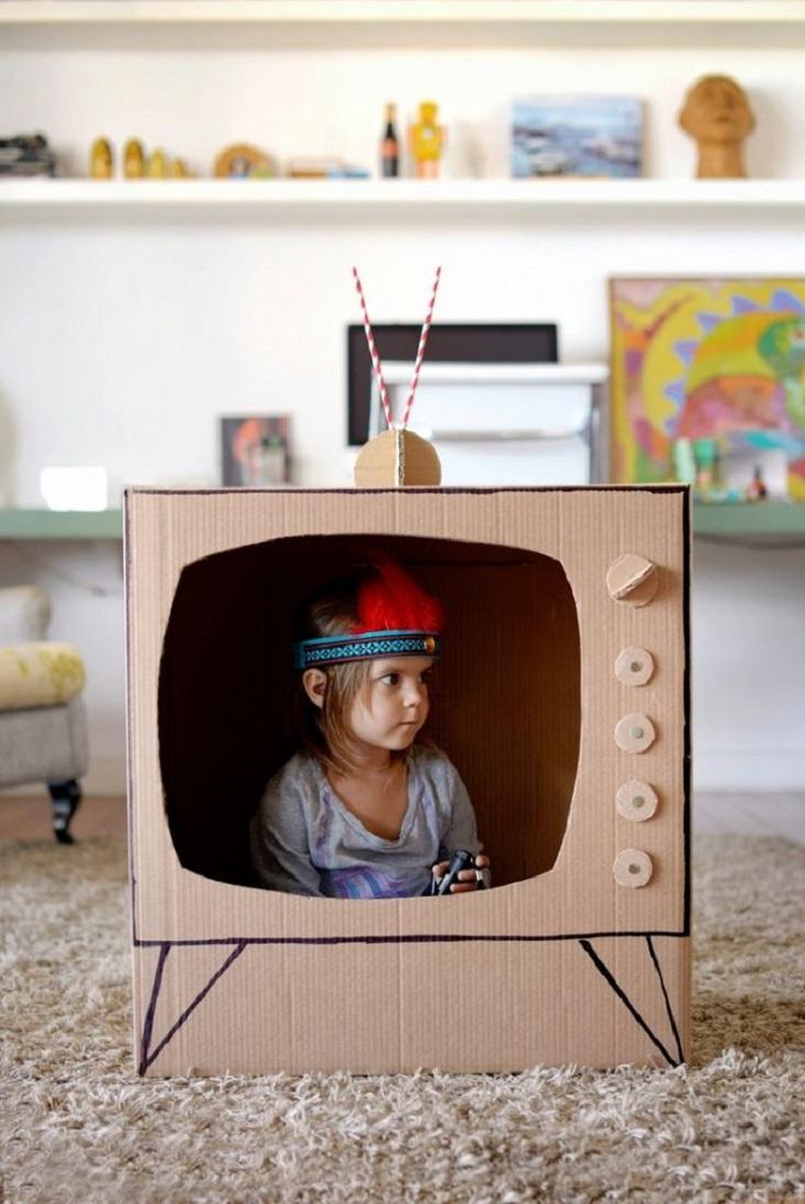Handfie - 24 manualidades con cajas de cartón - televisión DIY