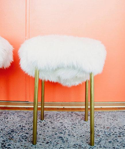 Taburete MARIUS de IKEA tapizado de pelo