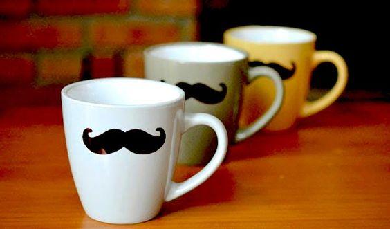 Tazas personalizadas pintadas con bigotes