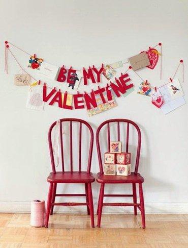 Decoracion romantica para momentos especiales como san valentin o bodas con guirnalda con mensaje de san valentin