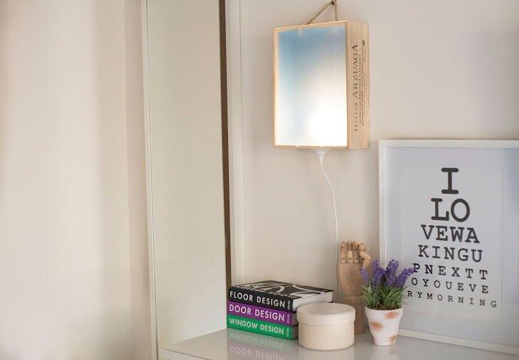 Lámpara Hecha Con Una Caja De Vino