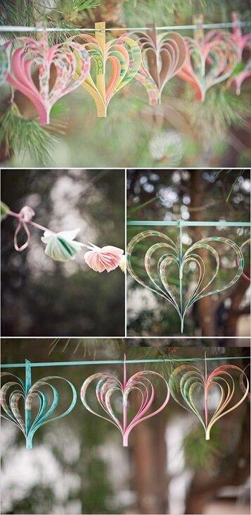 guirnaldas de papel en forma de corazón para bodas
