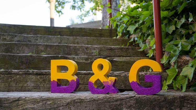 Letras diy de cartón y purpurina bodas
