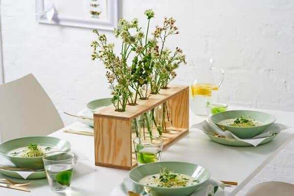 Centro de mesa con madera para plantitas