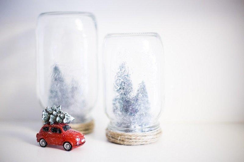 Botes de cristal decorados para Navidad