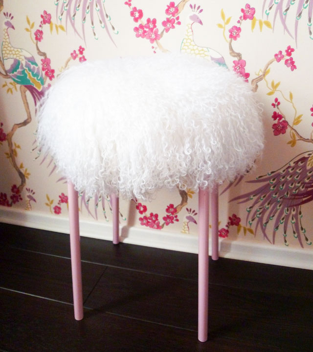 18 formas originales de personalizar sillas ten una - Chinchetas para tapizar ...
