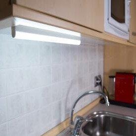 576d23aff1efa_Como-instalar-un-nuevo-punto-de-luz-en-la-cocina-Handfie-DIY-23.jpg