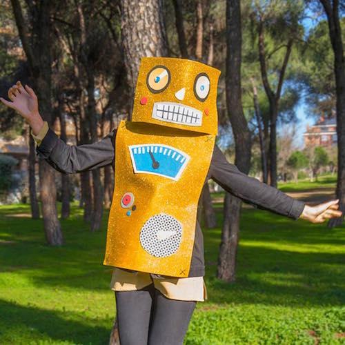 58a6e52b5ea72_disfraz-robot-Handfie.jpg