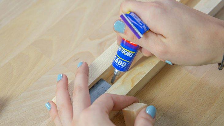 Imanes en el soporte de cuchullos magnetico