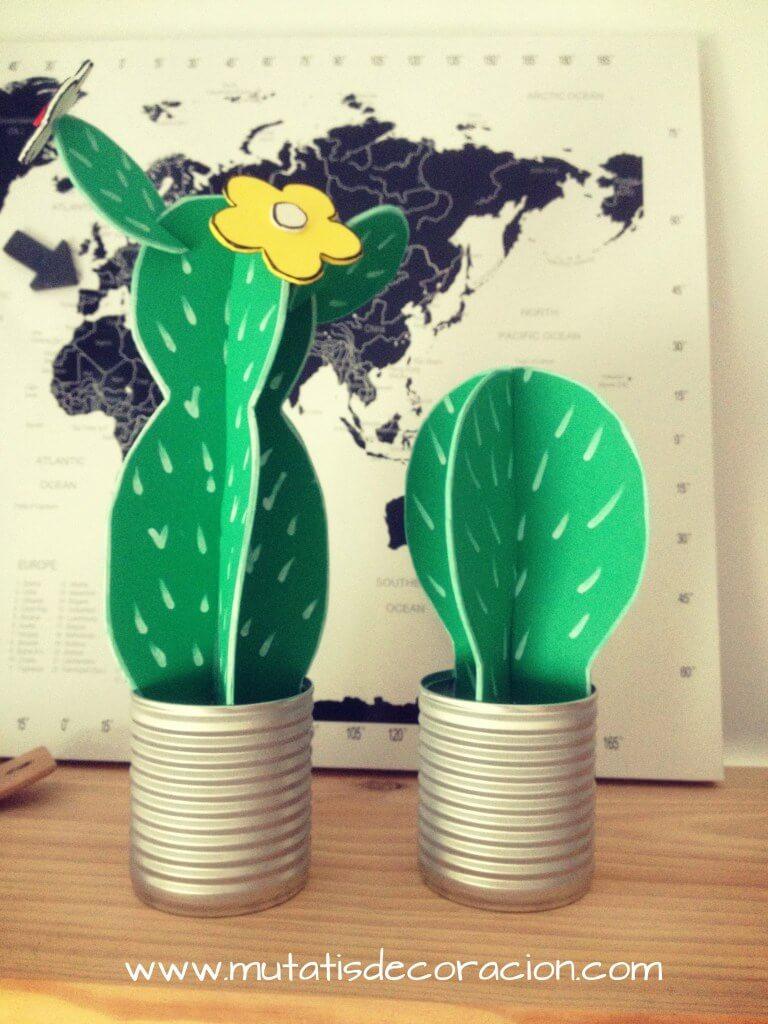 Cactus hecho de goma eva