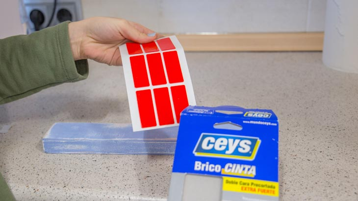 Bricocinta de CEYS para fijar el soporte para los cuchillos