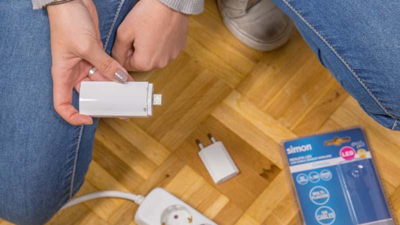 Batería portatil de la regleta para el armario