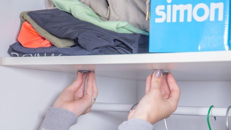 Instalación de imanes para poner una luz en el armario