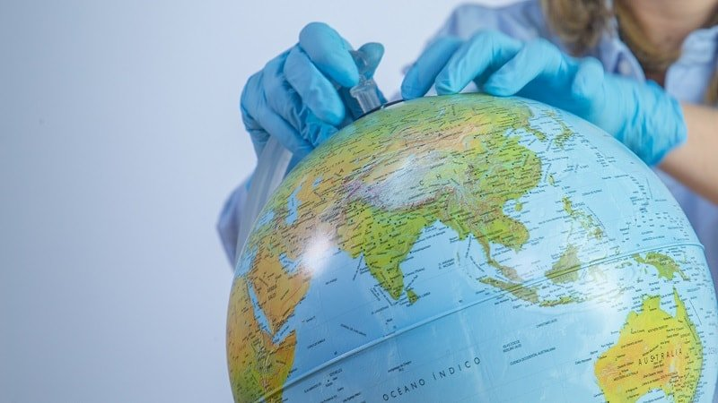 Desmontaje del globo del mundo