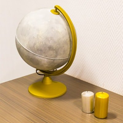 Luna hecha con un globo del mundo Handfie