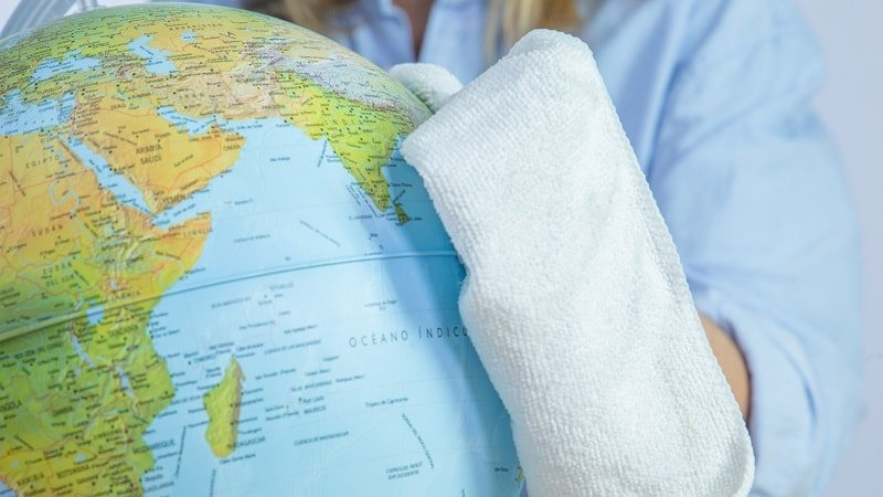 Limpieza del globo del mundo