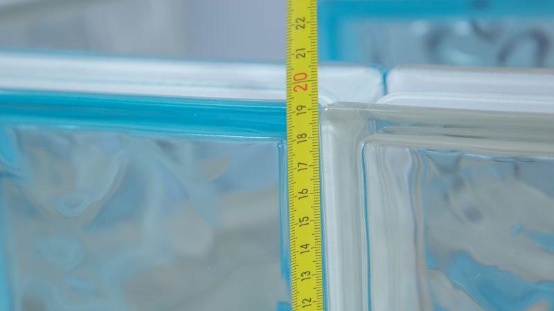 Medición de los ladrillos de vidrio