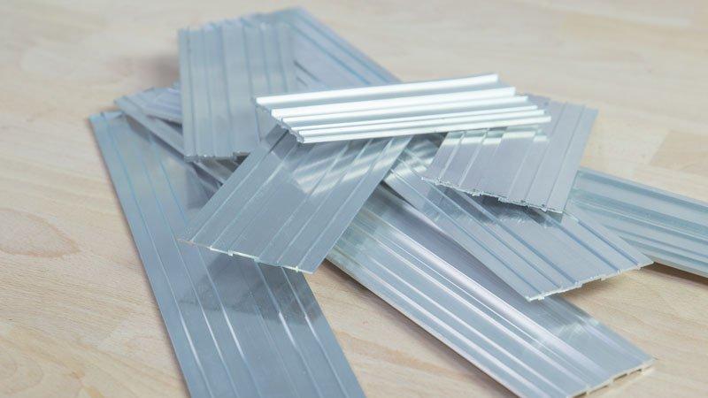 Banco para el ba o con ladrillos de vidrio handfie diy - Guia de aluminio ...