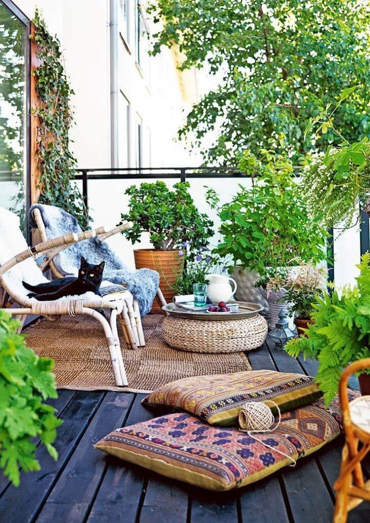 Ideas para decorar terrazas y balcones estilo etnico con muebles de bambu y mimbre