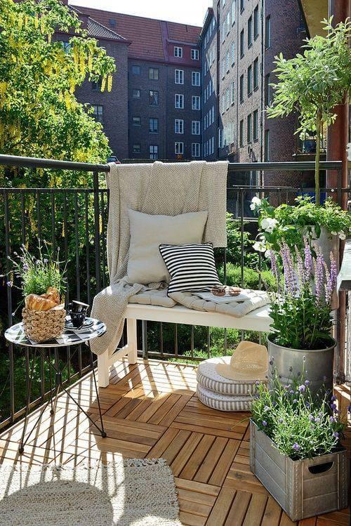 Ideas para decorar terrazas y balcones en balcones pequeños y de forma economica