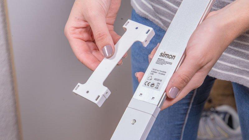 Soporte trasero de la regleta LED para armarios