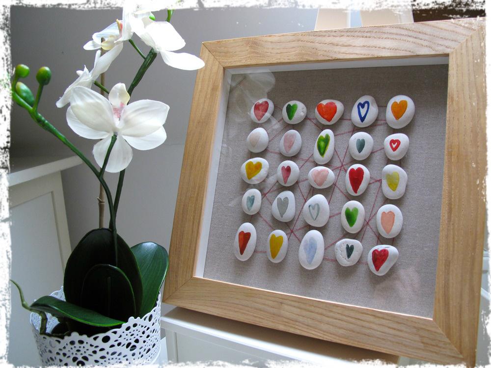 Manualidades f ciles con piedras decoraci n natural y for Cuadros hechos con piedras