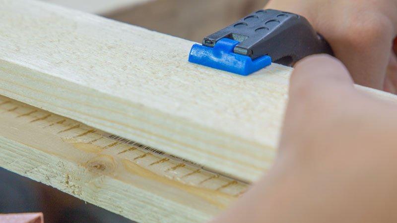 Listones de madera para formar el marco del biombo
