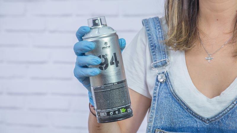 Imprimación para plásticos en spray de Montana Colors
