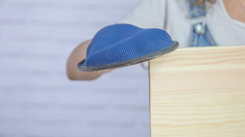 Lijado de las piezas de madera