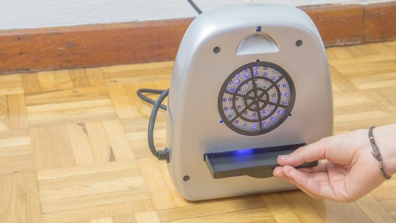 Bandeja extraíble del matamosquitos con ventilador