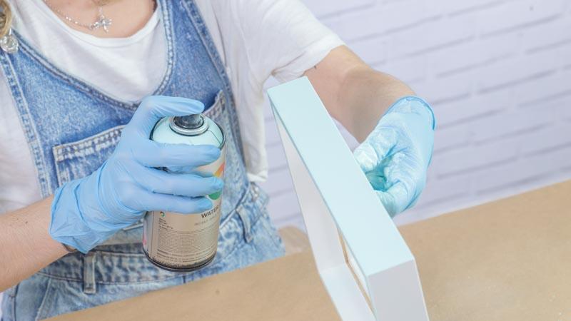 Pintado de las piezas con pintura en spray