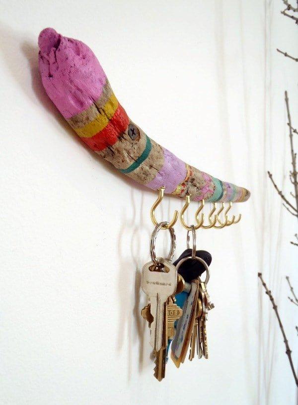Cuelgallaves con una rama