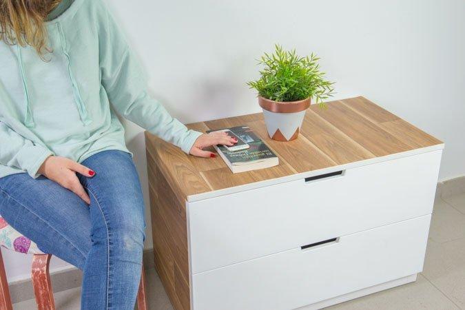 Cómoda de Ikea transformada con vinilo