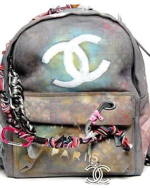 ideas-mochilas-customizadas-efecto-desgastado-chanel