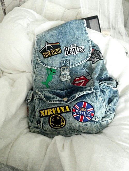 ideas-mochilas-customizadas-parches-en-mochila-vaquera