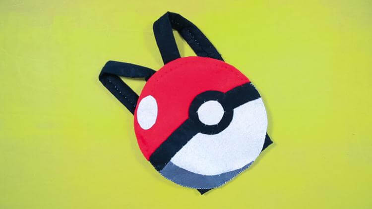 ideas-mochilas-customizadas-pokeball