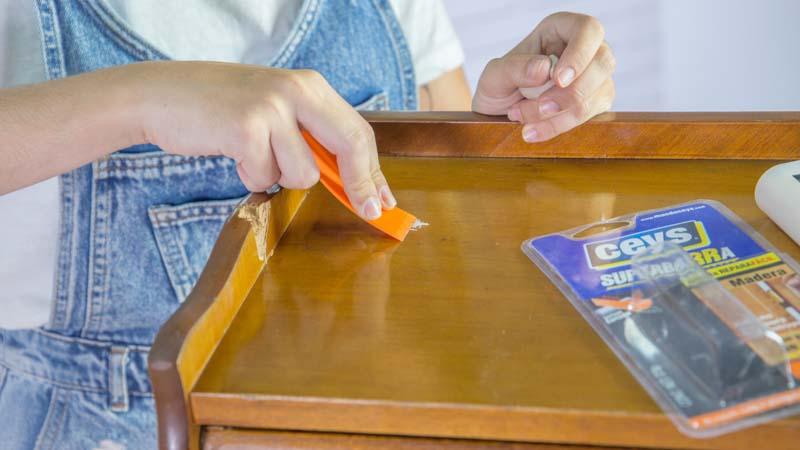 Aplicación de la masilla reparadora
