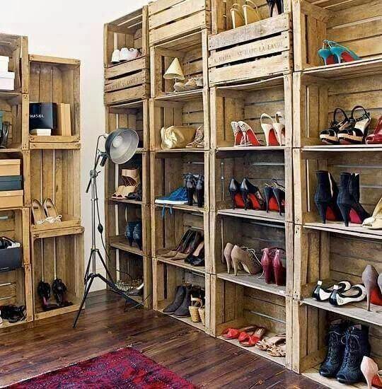 zapateros-diy-estanteria-con-cajas-de-fruta-para-colocar-zapatos