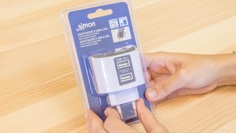 Adaptador USB con adaptador para el smartphone de Simon Brico