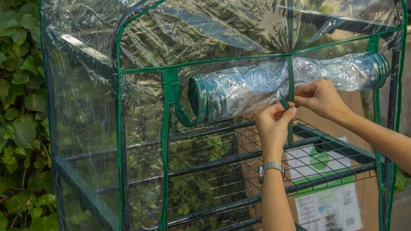 Funda térmica de PVC sobre el invernadero