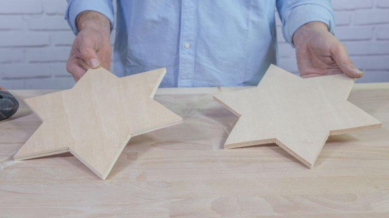 Estrellas de madera que formarán la lámpara