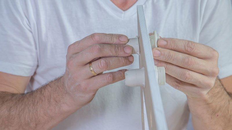 Colocando los casquillos en el marco